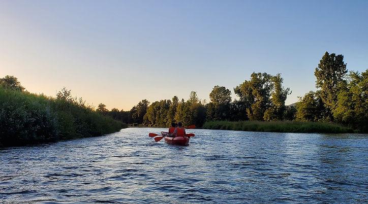 Location de canöe et de kayak dispo à la base nautique de Montferrat et la base nautique de Cuchet sur un diverse choix de parcours.