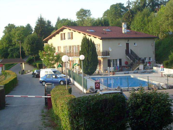 reception et piscine du lac de Paladru (le sans souci)