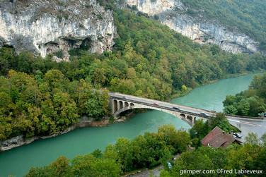 Pont des gorges de la Balme au dessus du Rhône
