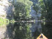 Falaise pendant la descente du Guiers en Canoë / Kayak