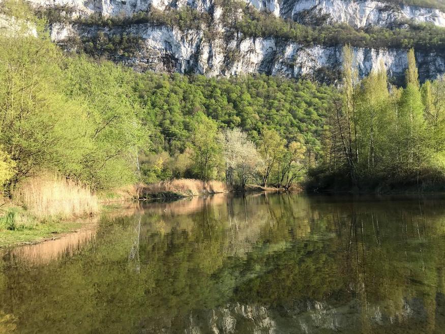 Canal du Rhône avec vue sur la montagne en stand up paddle