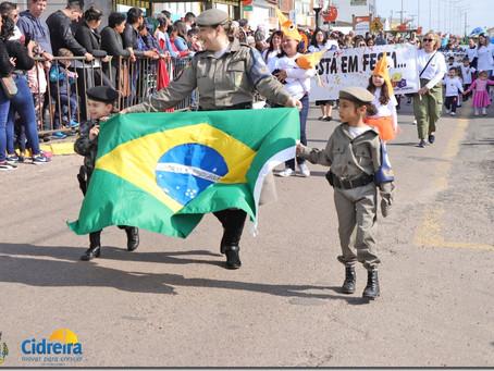 Desfile Cívico e Farroupilha