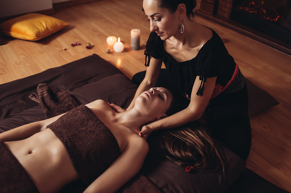 Relax tantric massage for women using the aroma of oils.jpg