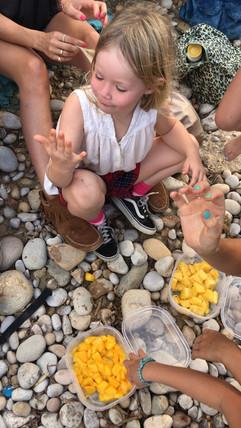 Verse mango tijdens het hiken