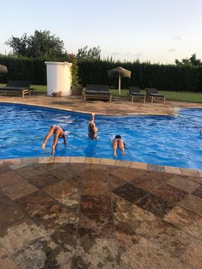 elke dag een duik in het zwembad