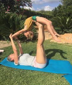 Moeder en dochter yoga