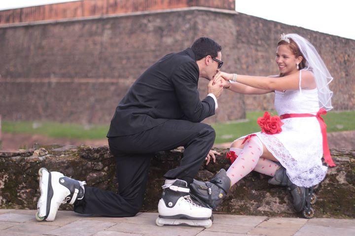 Facebook - Uma bela manhã de domingo pra gente noivar...jpg