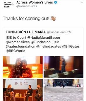 Across womes lives con Nadia Murad en la liberia publica  de Brooklyn