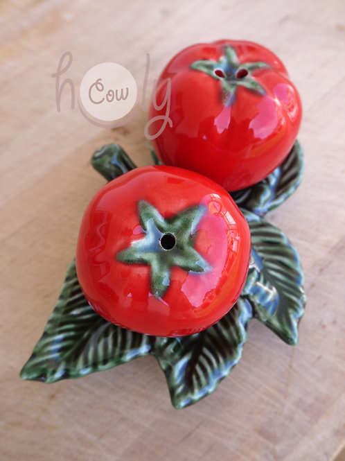 Salt And Pepper Shaker Tomato Set