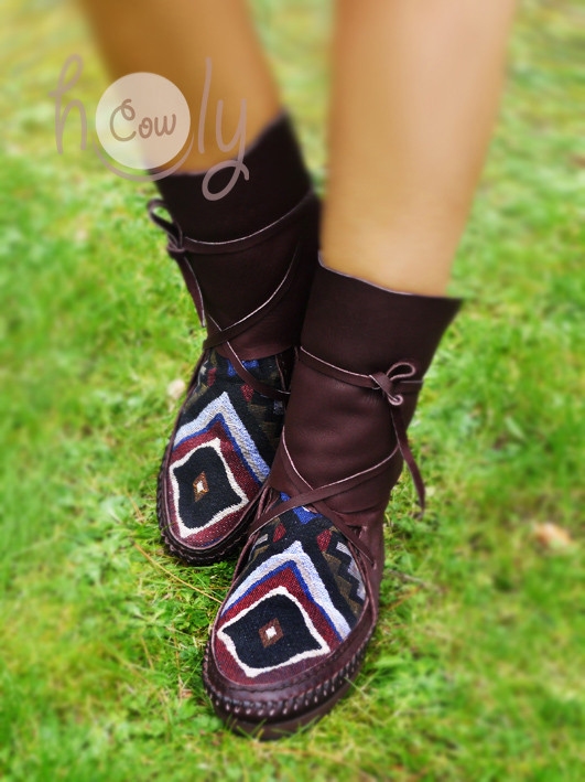 Unique 100% Hand Stitched Brown Leather Moccasins With Native American Tribal Fabric