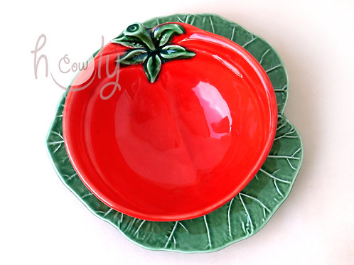 Tomato Bowl With Cabbage Leaf Plate