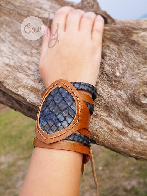 Bracelet With Blue Snake Print Leather