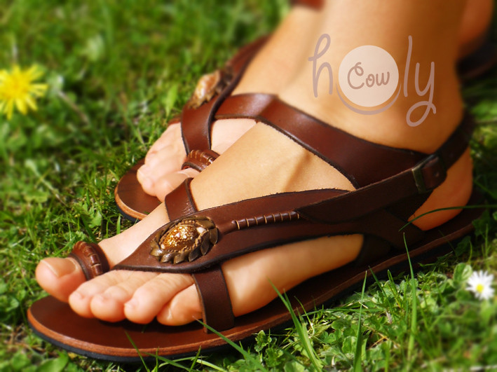 Women's Handmade Brown Leather Shell Sandals