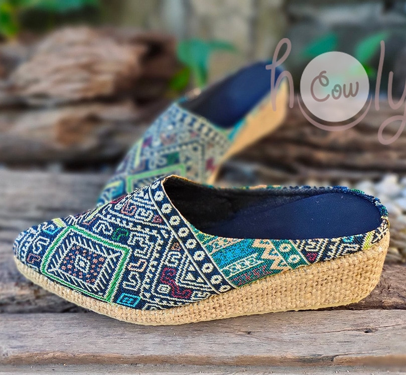 Must-have boho clogs