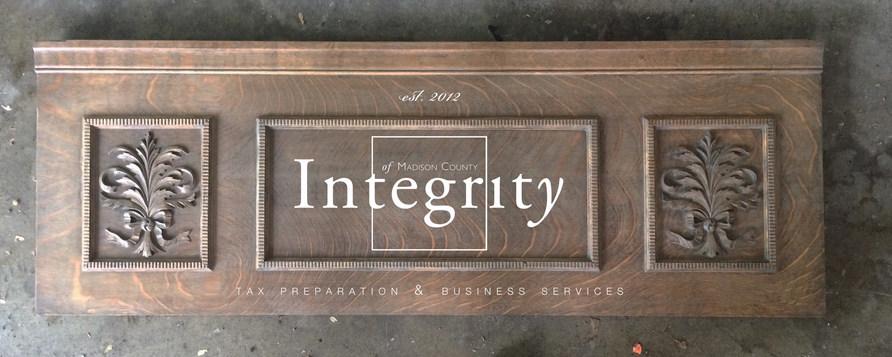 Vinyl Branding Design on Reclaimed Wood Signage
