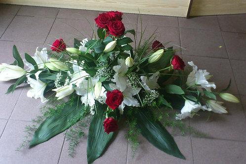 Kytice červené růže, lilie (č.29)
