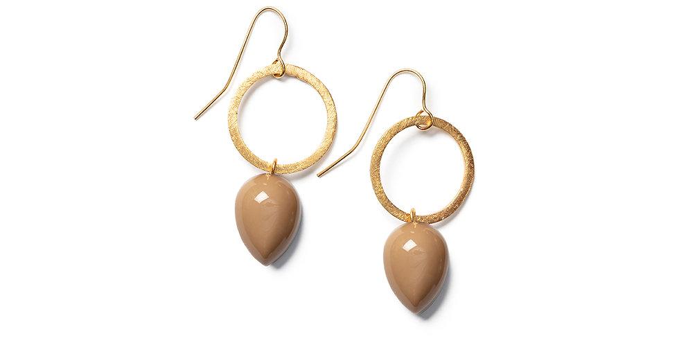 Ushi earrings camel