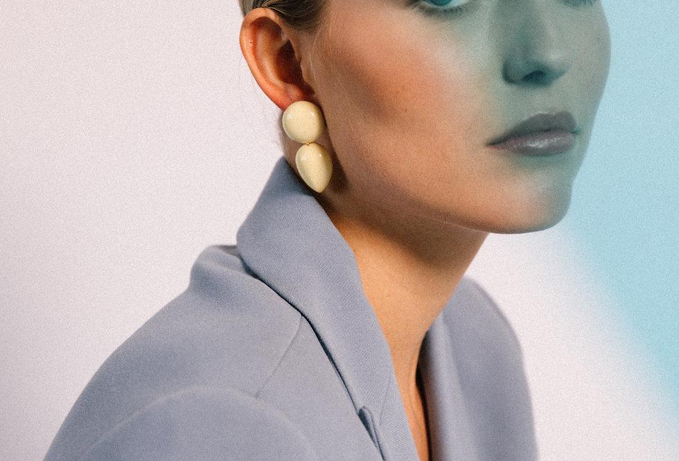 Curvas earrings soft yellow