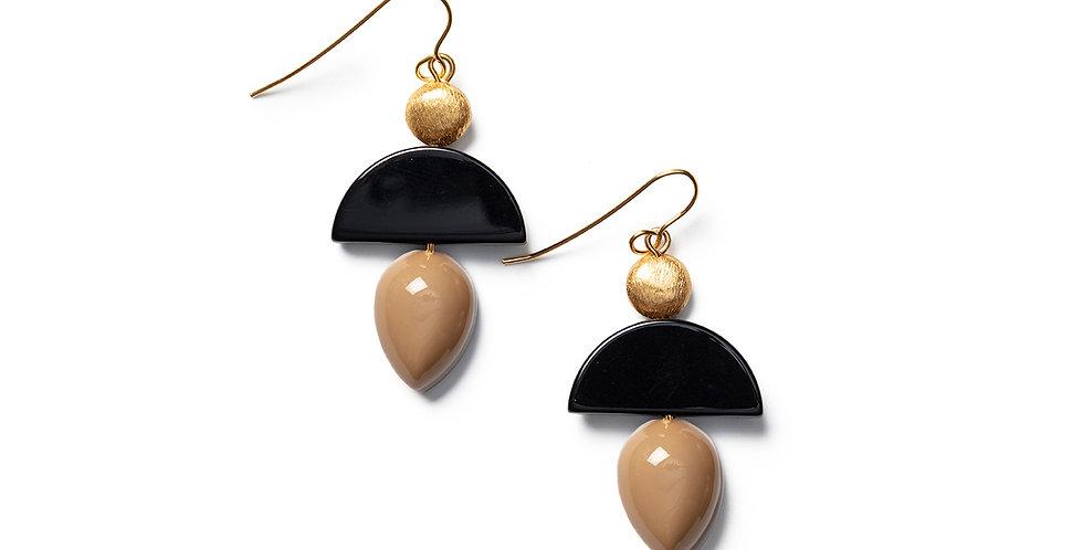 Neko earrings camel