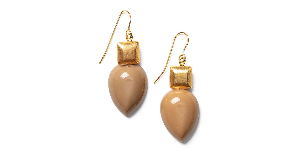 Goma earrings sand