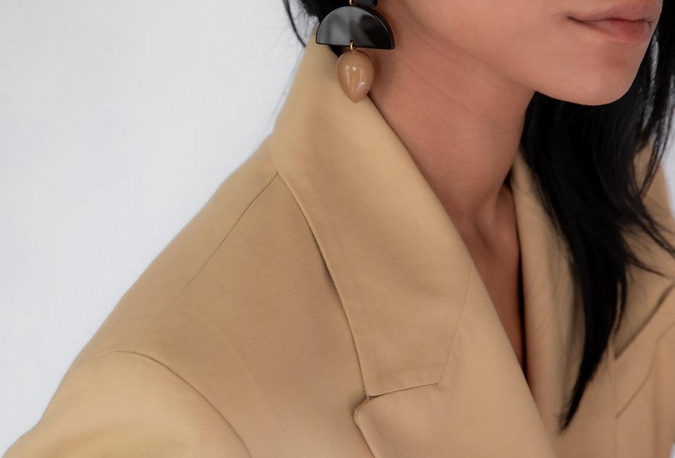 Same earrings camel