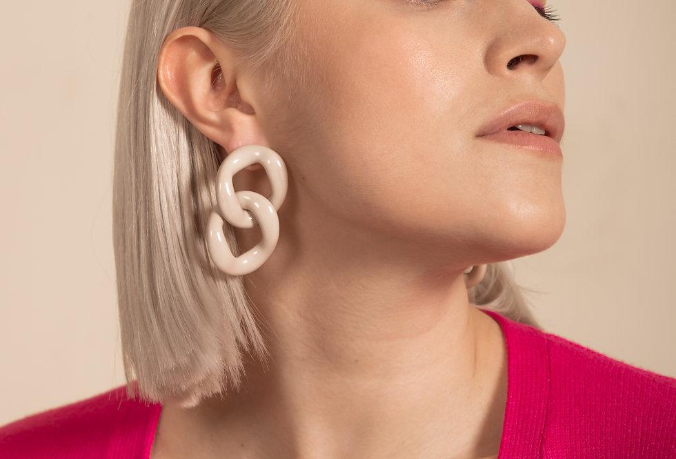 Con earrings cream