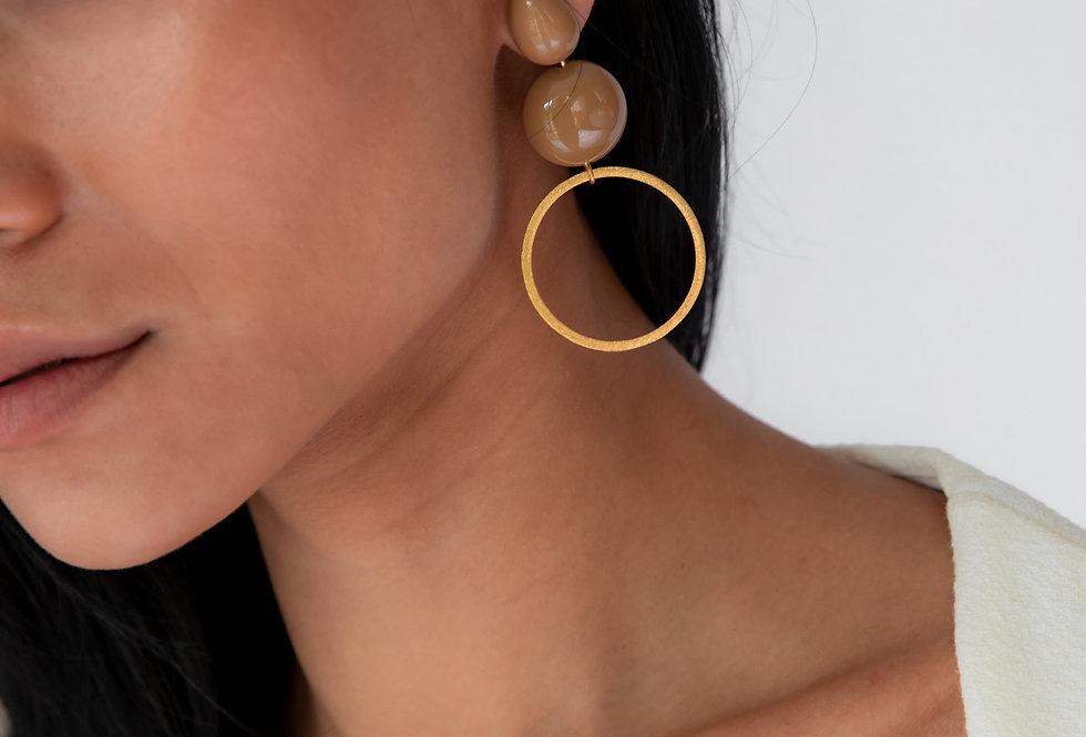 Yashi earrings camel