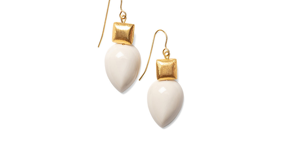 Goma earrings cream