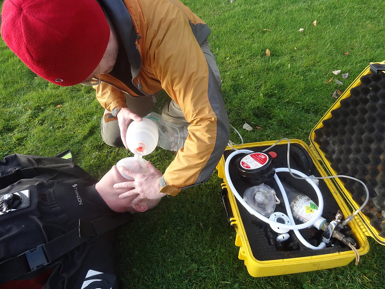Pocket BVM resuscitators used by divers