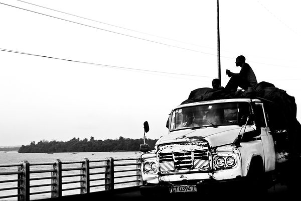 Cameroon man truck black and white Cameroun