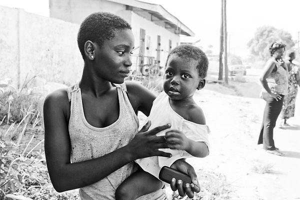 Cameroon child daughter black and white bojongo Cameroun