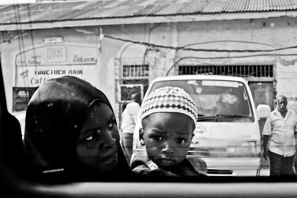 Zanzibar Stone Town mum child black and white
