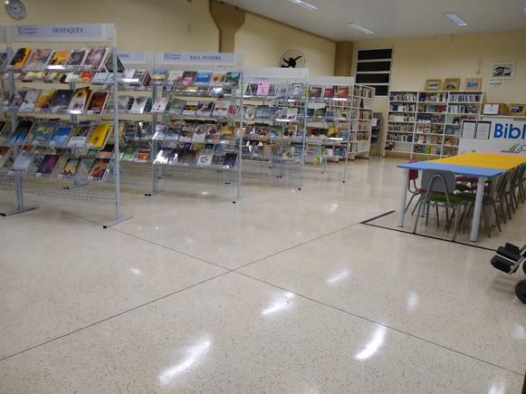 Livraria Biblioteca 01.jpeg