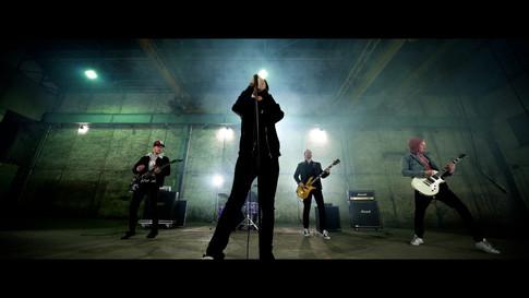 ONLAP - MIRACLE (Music Video).00_00_38_13.Still004.jpg