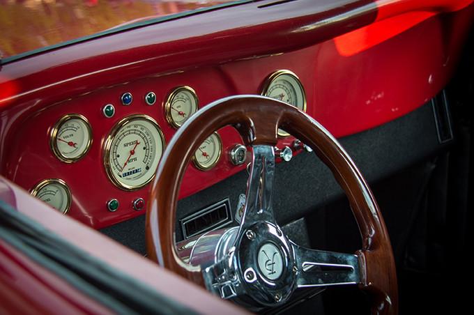 5752711-car-interior.jpg