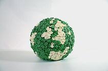 Laffon_Je%CC%81re%CC%81my-Globe1et2-2011
