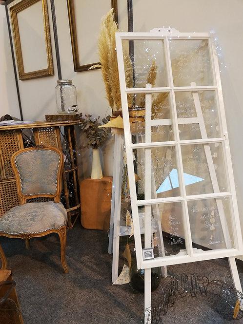 Porte Menu cadre noir ou fenêtre en bois blanche