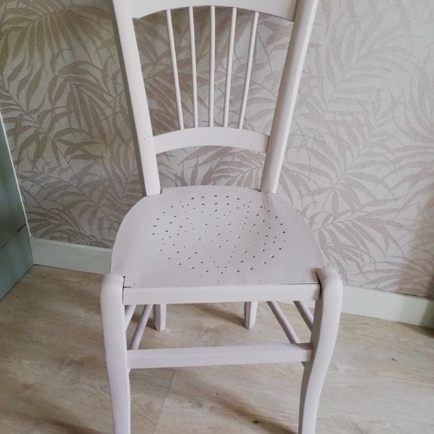 Chaise bistro rose