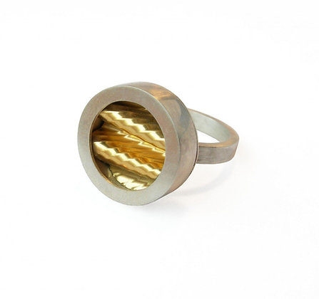 Porthole Ring