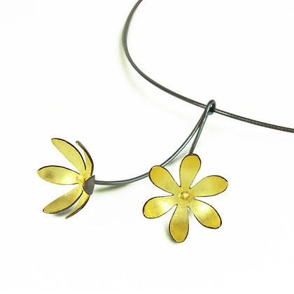 Gold Inlaid Oxidised Silver Daisy Flower Necklace