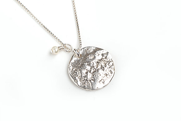 Disc Necklace with Pearl