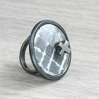 Round Ring with Cross