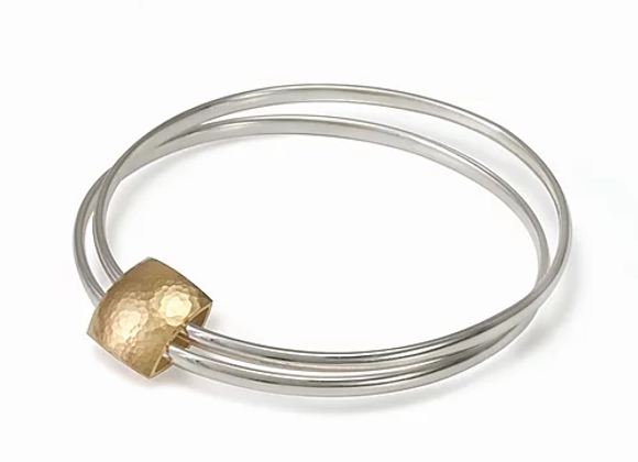 Pillow bangle w. gold plated pillow