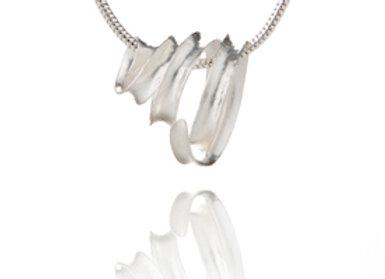 Mini Ribbon Pendant, Silver