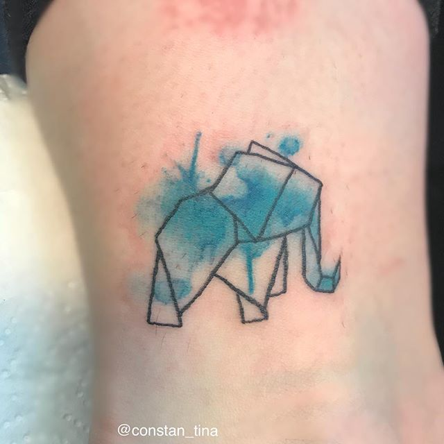 Forgot to post this cute origami elephant 🐘 also done at the bamberg tattoo convention 💉 #origamie