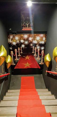 Fiesta La noche de los Oscar's. Entrada al local