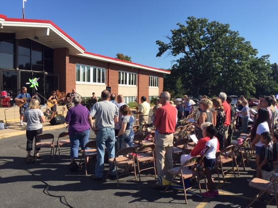 Outdoor Worship3.jpg