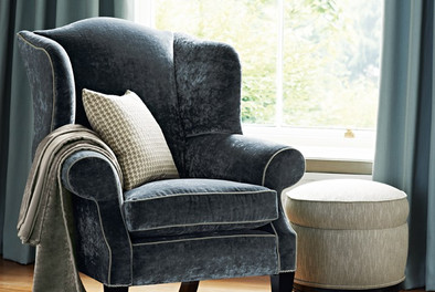 Town-weaves-with-Curzon-chair_LR.jpg  Zo