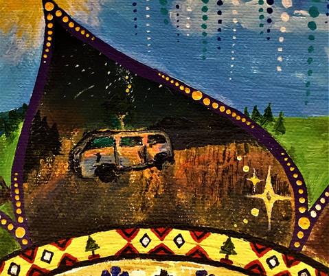 Dubă în fața campingului și Calea Lactee pe fundal