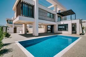 Blue Surf - Giovani Villas-11.jpg
